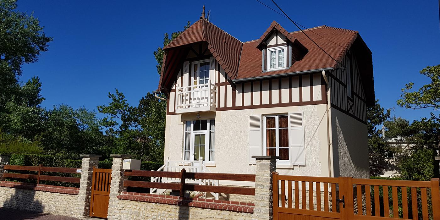 Une maison entièrement rénovée typique de la côte fleurie
