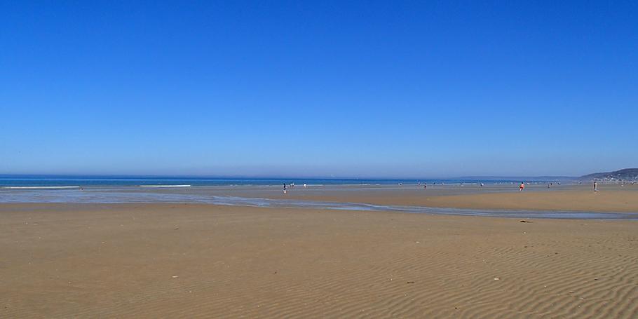 La plage de sable fin à 100m !